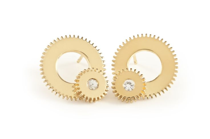 Large Gold & White Sapphire Double Winding Wheel Studs