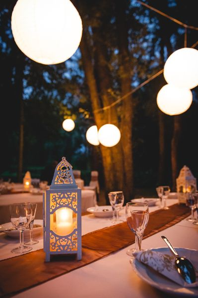 Esküvői dekor, lámpás, lampionok. #lampion, #lampas, #dekor, #eskuvo, #dekoracio, orokrekepek.hu, filepdekorart.hu