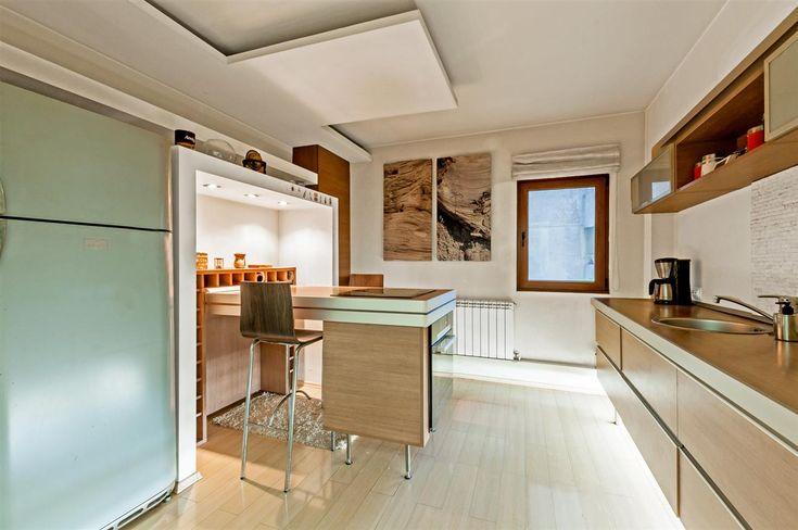 Apartament 3 camere Nerva Traian de vanzare, disponibil acum pe danieldobre.ro.