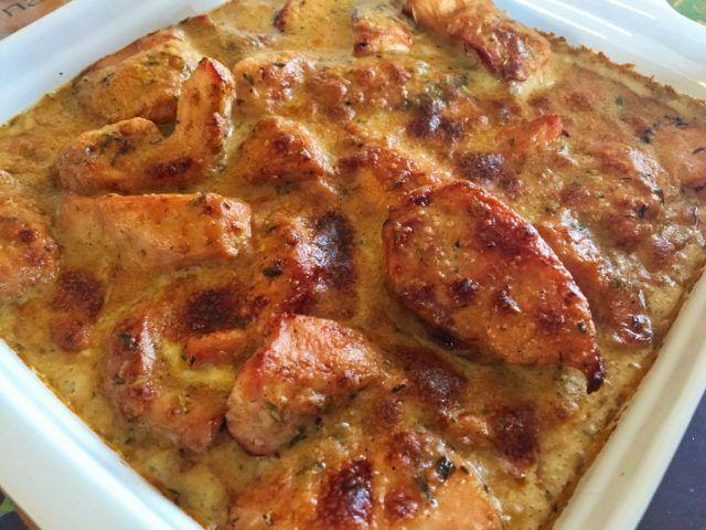 Voilà une recette bien de chez moi, que je n'avais pas encore eu l'occasion de vous partager !Le poulet Gaston Gérard est un plat traditionnel de cuisine