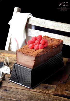 La tarta mágica o pastel inteligente es una tarta muy famosa en la blogosfera, ya que con una misma masa se consigue tres texturas, la part...