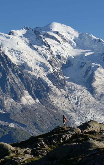 Mont-Blanc 4810m, vue depuis le domaine des Aiguilles Rouges   Vallée de Chamonix, Alpes, France   Location de vacances toute l'année www.collineige.com