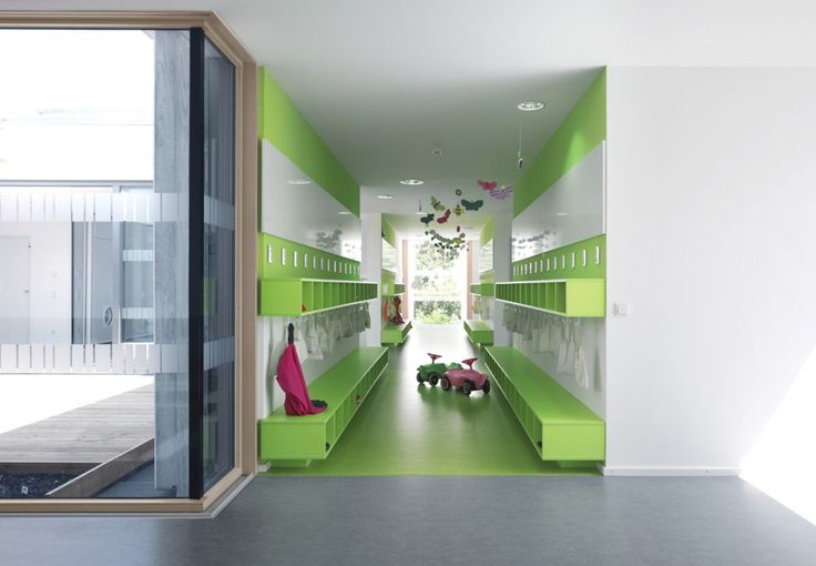 Kinderhouse Arche Noah / Liebel Architekten BDA. Lockers & courtyard