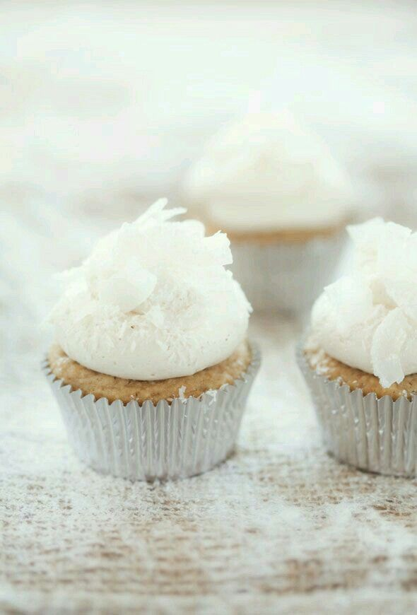Best 25 Silver Cupcakes Ideas On Pinterest Pearl