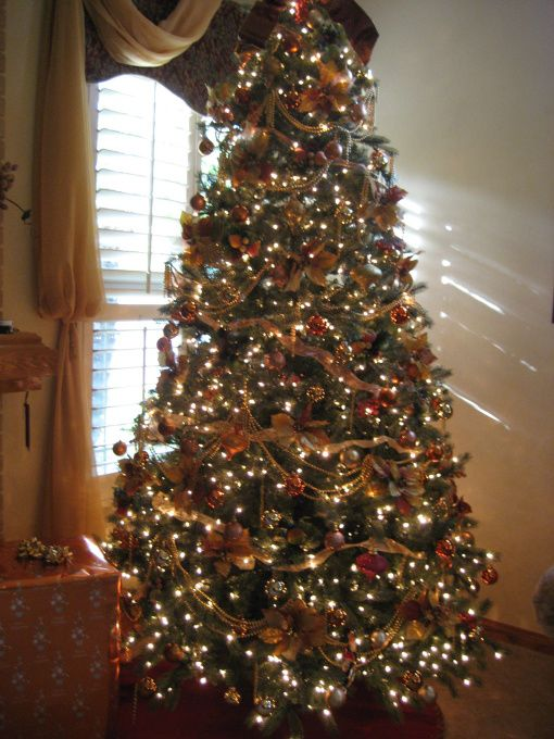 Tuscan Christmas Tree, My Tuscan Tree, 9 foot Tuscan decorated Christmas Tree in Gold and Bronze. Clear lights.  , Holidays Design