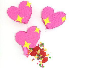 Heart Emoji Party Favors, Mini Pinatas, Mini Heart Piñata, Emoji Party Decoration, Emoji Theme Party Decoration, Heart Party Favor, SET OF 3