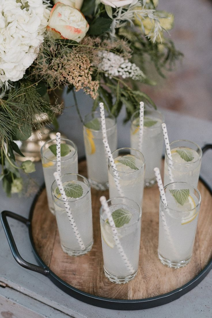 Lemon Thyme Vodka Spritzer Signature cocktails wedding