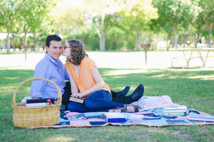 romantic cute young couple pictures outfit ideas for couples picnic photoshoot idea // julia stockton photography las vegas nevada photographer floyd lamb park