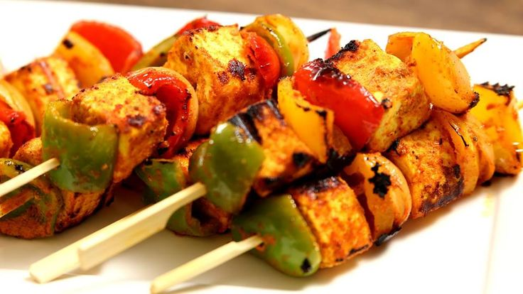A perfect party starter and a delicious appetizer - Tawa made #PaneerTikka.Bite sized snack that finger licking good :) https://www.facebook.com/zilokart/photos/a.944394312282167.1073741828.917609248294007/1128423490545914/?type=3&theater