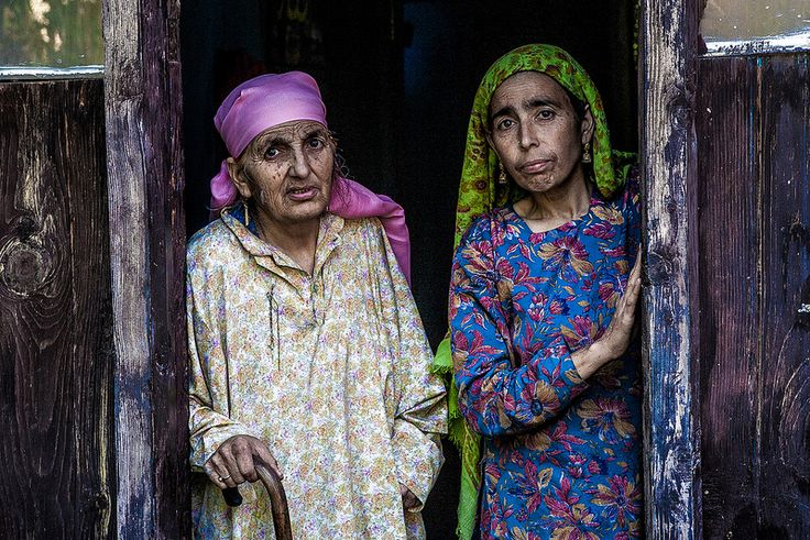 India - Kalaroos village folks, Kashmir