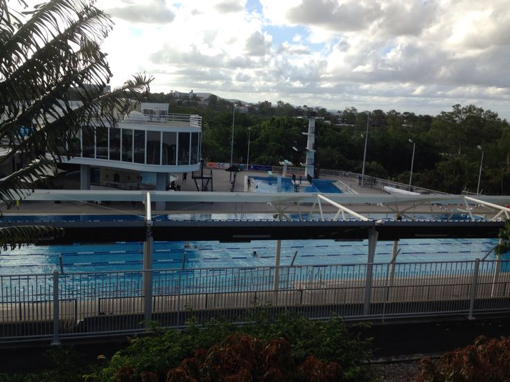 The Centenary Pool in Victoria Park. ヴィクトリアプールへ。