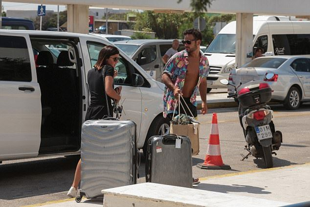 Lucy Mecklenburgh and Ryan Thomas kiss at London airport   Daily Mail Online