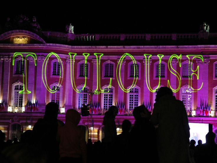 Toulouse : Illuminations sur la place du Capitole