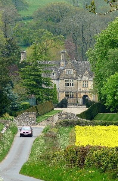 bellasecretgarden:Manor House - Upper Slaughter, Cotswolds                                                                                                                                                                                 Plus