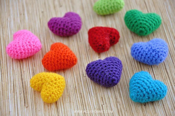 DIY: Corazonctios tejidos a Crochet / Crochet hearts   Agus Yornet Blog