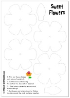 Use lollipops to make this sweet flower bouquet for Mother's Day. #freebie #gifts #kids #preschool #activity