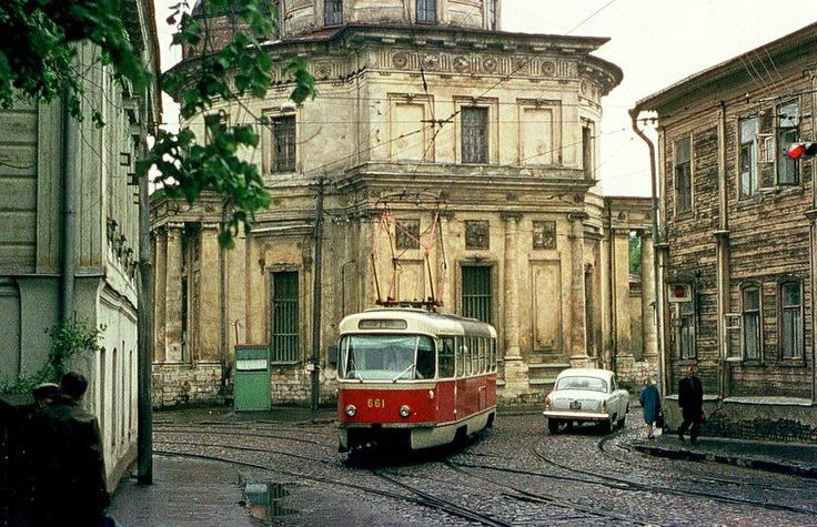 Moscow, around Prospekt Mira metro station, 1970s.