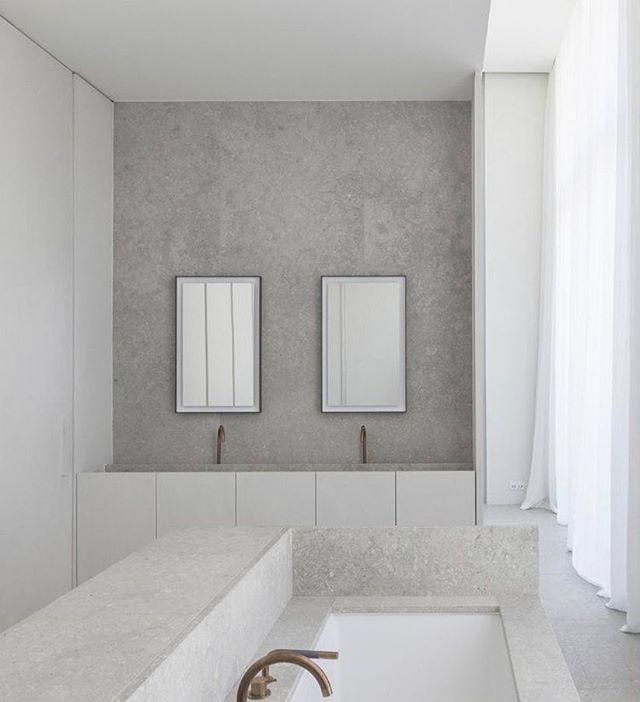 What about a Saturday evening bath in this lime stone beauty? Stunning bathroom by @hansverstuyftarchitecten  #limestone #hansverstuyftarchitects #stunningbathroom #modernabad #bathroomdesign #bathroominspo #bathroominterior  ______________________________________________ Vad sägs om ett lördagsbad i denna kalkstensskönhet? Fantastiskt badrum av @hansverstuyftarchitecten  #kalksten #hansverstuyftarchitecten #fantastisktbadrum #modernabad #badrumsdesign #badrumsinspo #badrumsinteriör