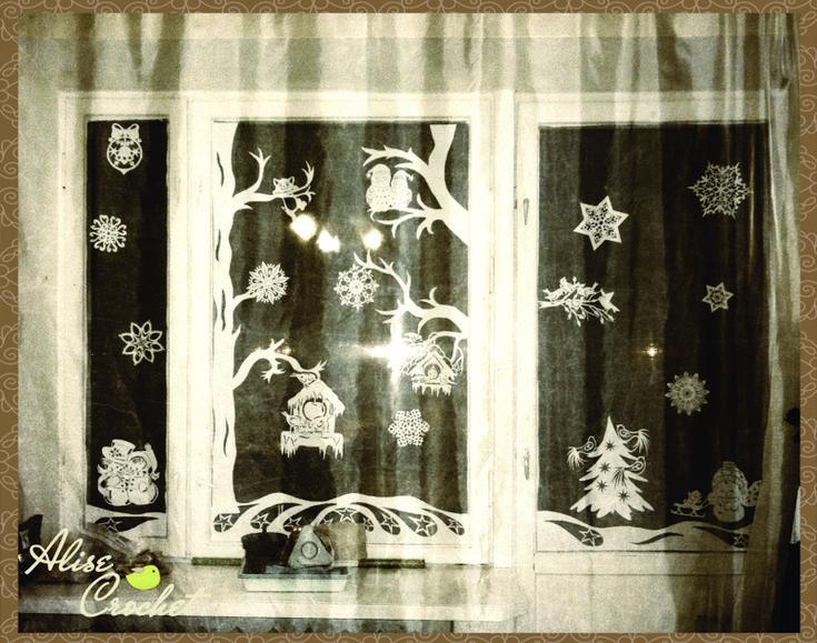Вытынанки. Новогодние вытынанки шаблоны. Часть 1 Техника:вырезание на бумаге Материалы:мат, бумага, нож для вырезания Новогодние шаблоны для вырезания из бумаги. Новогодние вытынанки. Новогодние трафареты для украшения окон. Названий много, а смысл один - начинается подготовка к Новому году и пора украшать свое жилище, чтобы настроение было действительно праздничным.