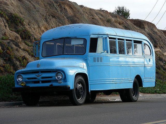 blue bus  .@Jorge Martinez Martinez Cavalcante (JORGENCA)