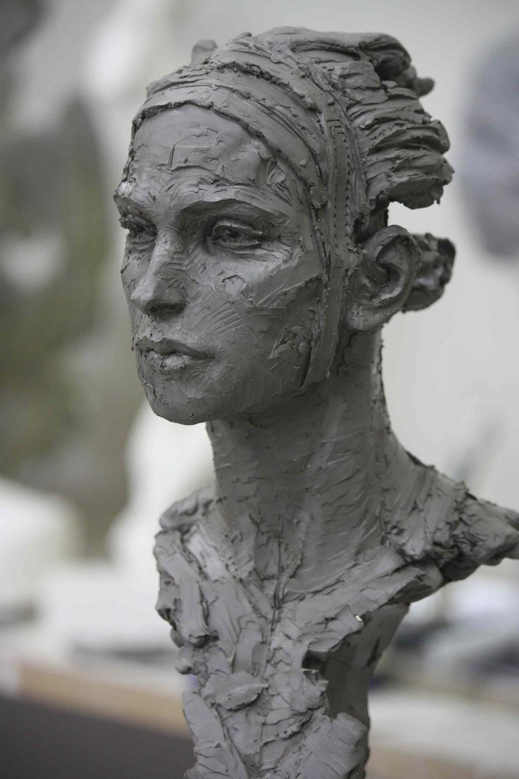 Christophe Charbonnel, Persée I, bronze, 60,5 x 26 x 23 cm
