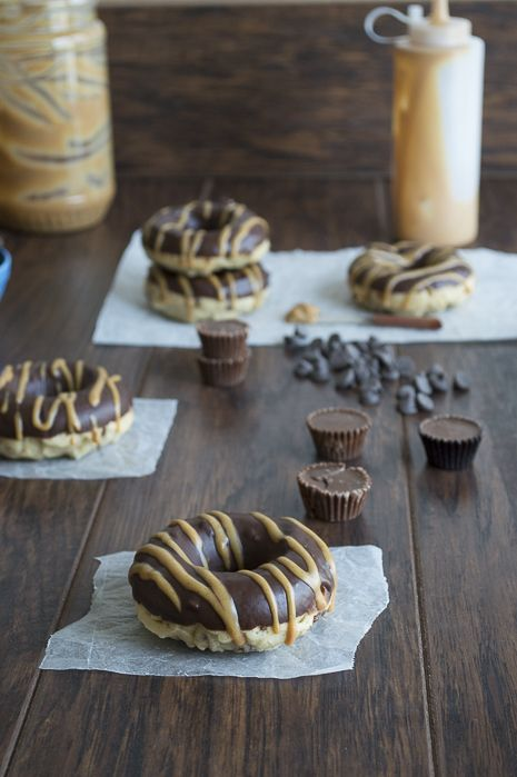 Stuffed Peanut Butter Cup Donuts with Chocolate Ganache and Peanut Butter Drizzle | thefirstyearblog.com