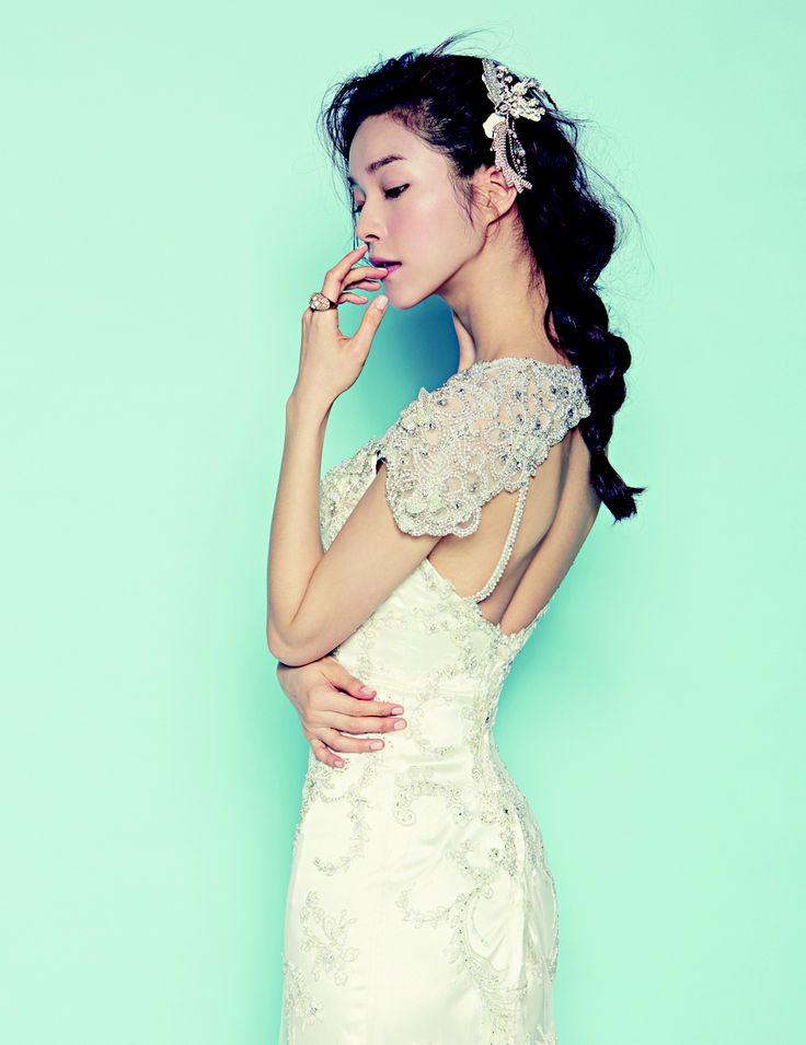 고혹적인 자태의 웨딩 드레스
