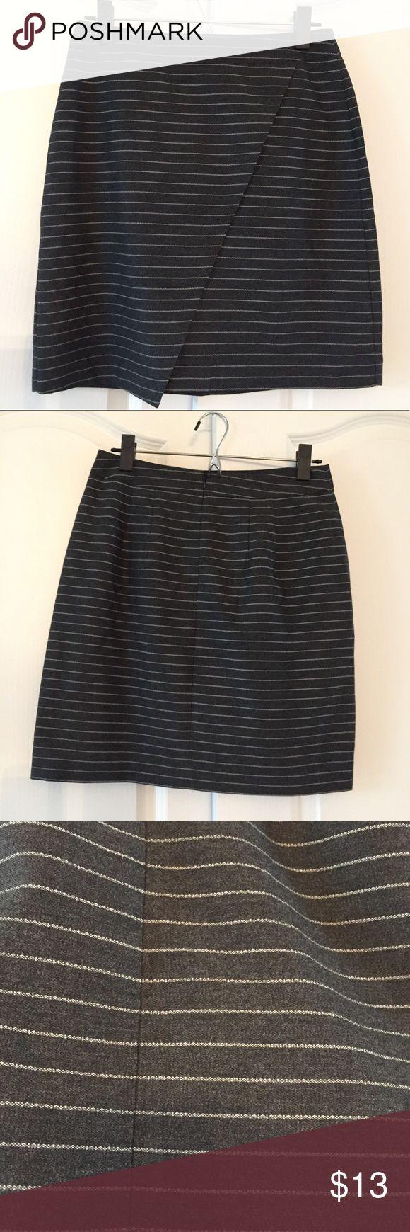 Ann Taylor LOFT outlet skirt, size 2, NWT NWT Loft Outlet work skirt LOFT Skirts Mini