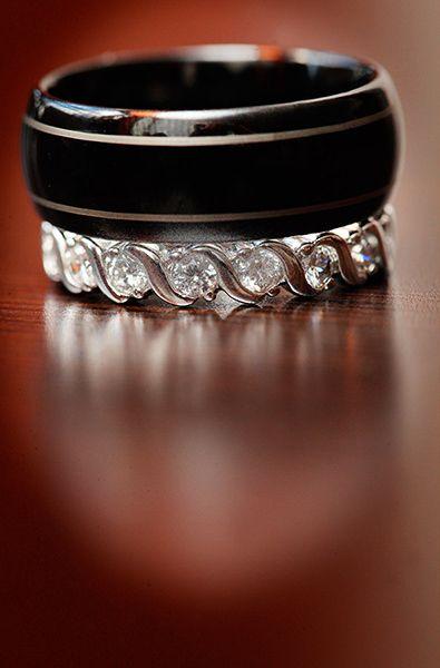 bride and groom's wedding rings - AnnasWeddings.com | New York affordable Wedding Photography