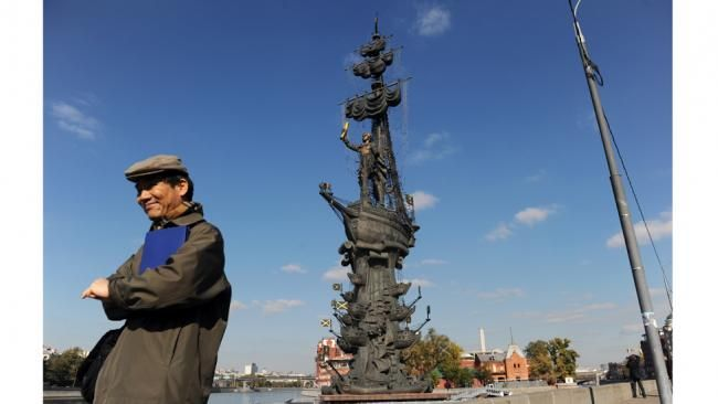 A man stands in front of a giant 315ft statue of Peter the Great by Russian sculptor Zurab Tsereteli in central Moscow on October 5,2010.DMITRY KOSTYUKOV/AFP/Getty Images.The Peter the Great statue is a 315ft monument located at the western confluence of the Moskva River and the Vodootvodny Canal in central Moscow,Russia.Designed by sculptor Zurab Tsereteli, the statue has courted controversy since its completion in 1997.