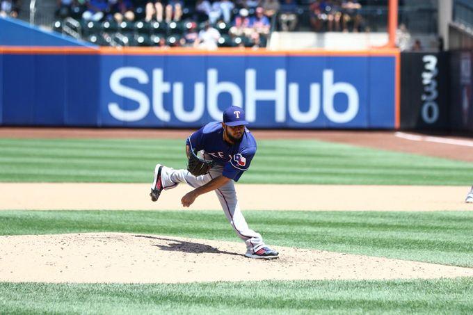 Martín Pérez alcanzó su sexta victoria de la campaña ante los Mets #Beisbol #Deportes