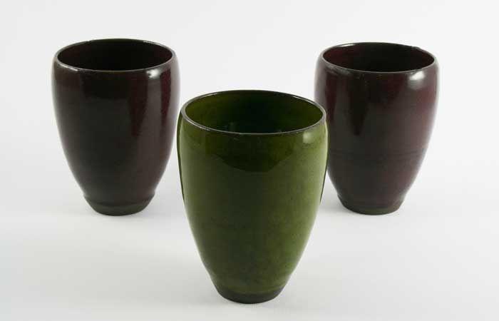 Ceramic cups by Brigi Konda http://www.magma.hu/muveszek.php?id=106