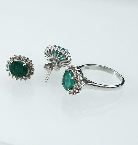 Parure di Smeraldi e Diamanti £1600