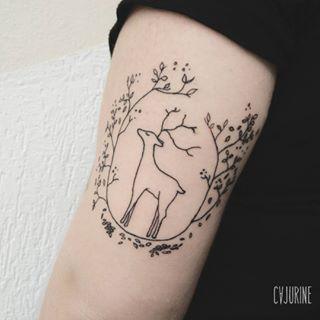 Um delicado cervo para o mundo exterior (e um Patronus para você). | 16 tatuagens que fazem uma sutil homenagem a Harry Potter