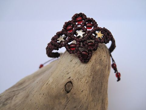 Zartes Macrame Armband Oriental mit Sternen