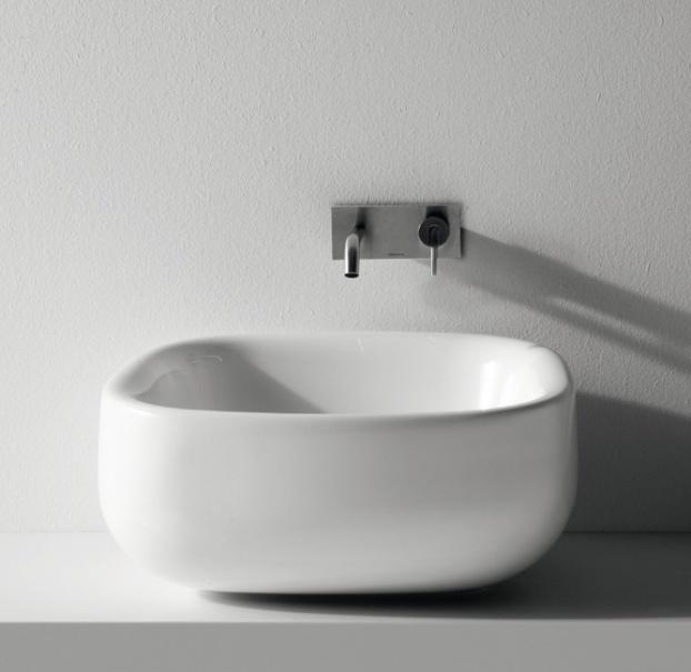 Oltre 25 fantastiche idee su vasca da bagno in pietra su - Vasca da bagno in pietra ...