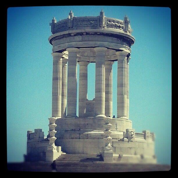 Passetto - Monumento ai Caduti - Ancona - #instagram #instamood #instagood #igersitaly #igersitalia #monumet #igersmarche#passetto #colore_italiano #Ancona - @Marta Marchetti- #webstagram