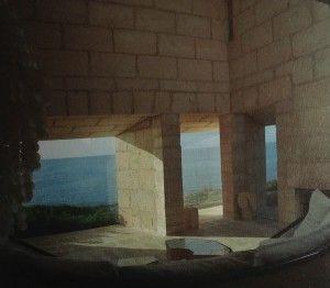Volvemos a retomar la actividad tras aplicar unas mejoras a nuestras webs!!! Continuamos la tarde conociendo a través de nuestra GRAN Marisa Caballero, la trayectoria de uno de los arquitectos más emblemáticos del siglo XX. Historia de la Casa Can Lis (Mallorca) , seguimos!!! http://universolamaga.com/blog/canlis-mundo-arquitectura/