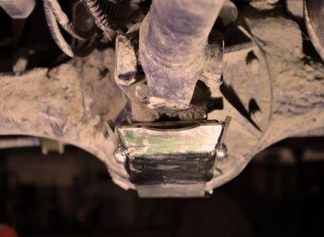 Il paradifferenziale anteriore per Defender 90 e 110, Discovery I e Range Rover Classic è un utile protezione degli organi meccanici posti nell'assale anteriore. Il differenziale, la barra di accoppiamento e la crociera dell'albero di trasmissione, sono elementi molto esposti e in caso di urto, potrebbero essere la causa di un arresto forzato del veicolo. É bene prevenire questo tipo di inconveniente e i paradifferenziali ne garantiscono un' efficace protezione. COD: PDP0021 €128,00 IVA…