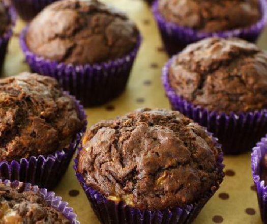 Egy finom Csokis-banános muffin  ebédre vagy vacsorára? Csokis-banános muffin  Receptek a Mindmegette.hu Recept gyűjteményében!