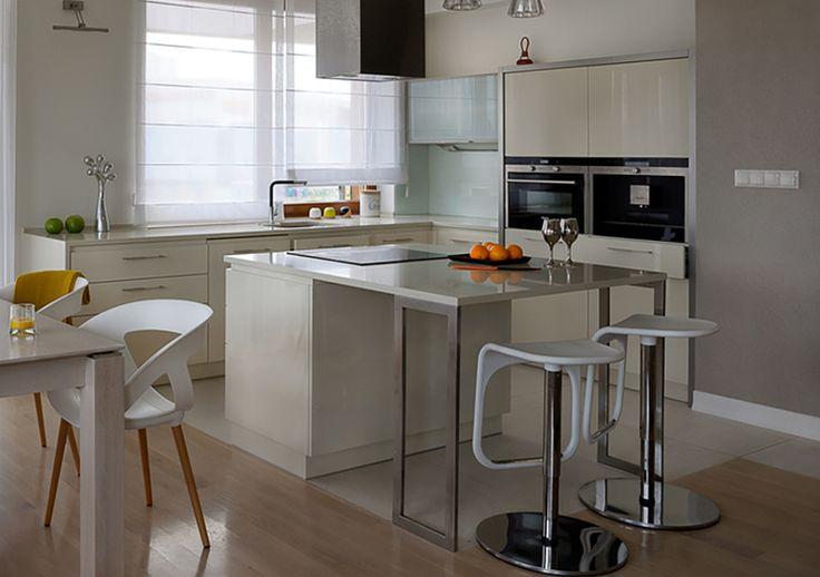 Studio Janpol MAŁA KUCHNIA   Wyspa w małej kuchni to świetne rozwiązanie funkcjonalne, dodatkowe miejsce do przygotowywania potraw.