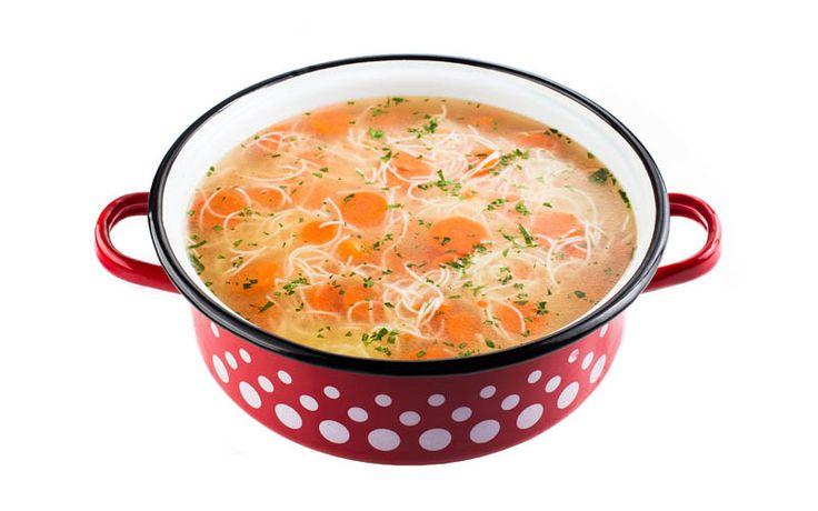 Supă de tăieței - preferata tuturor copiilor.   www.masafamiliei.ro