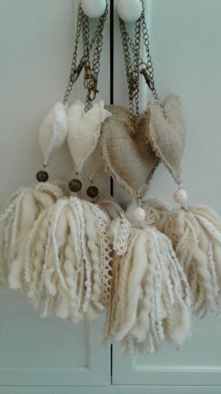 Borlas decorativas https://articulo.mercadolibre.com.ar/MLA-651909425-atrapasuenos-artesanal-chico-_JM