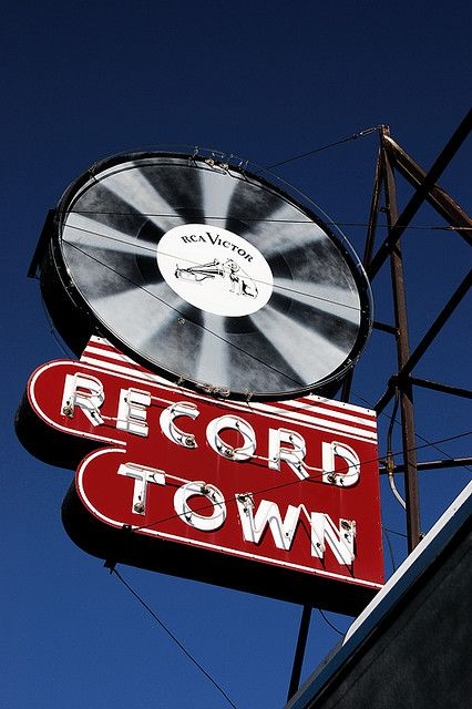 record town, chicagoMusic Vintage, Records Town, Luxury Travel, Records Stores, Vintage Signs, Town Signs, Vintage Neon Signs, Music Stores Signs, Vintage Vinyls Records