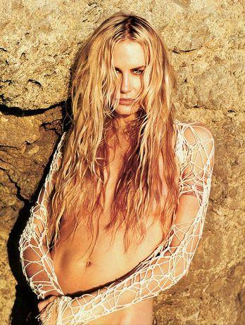 The original mermaid. Daryl Hannah. (This ain't no Ariel household)