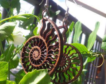 Orecchini di legno Lasercut ammonite - Nautilus