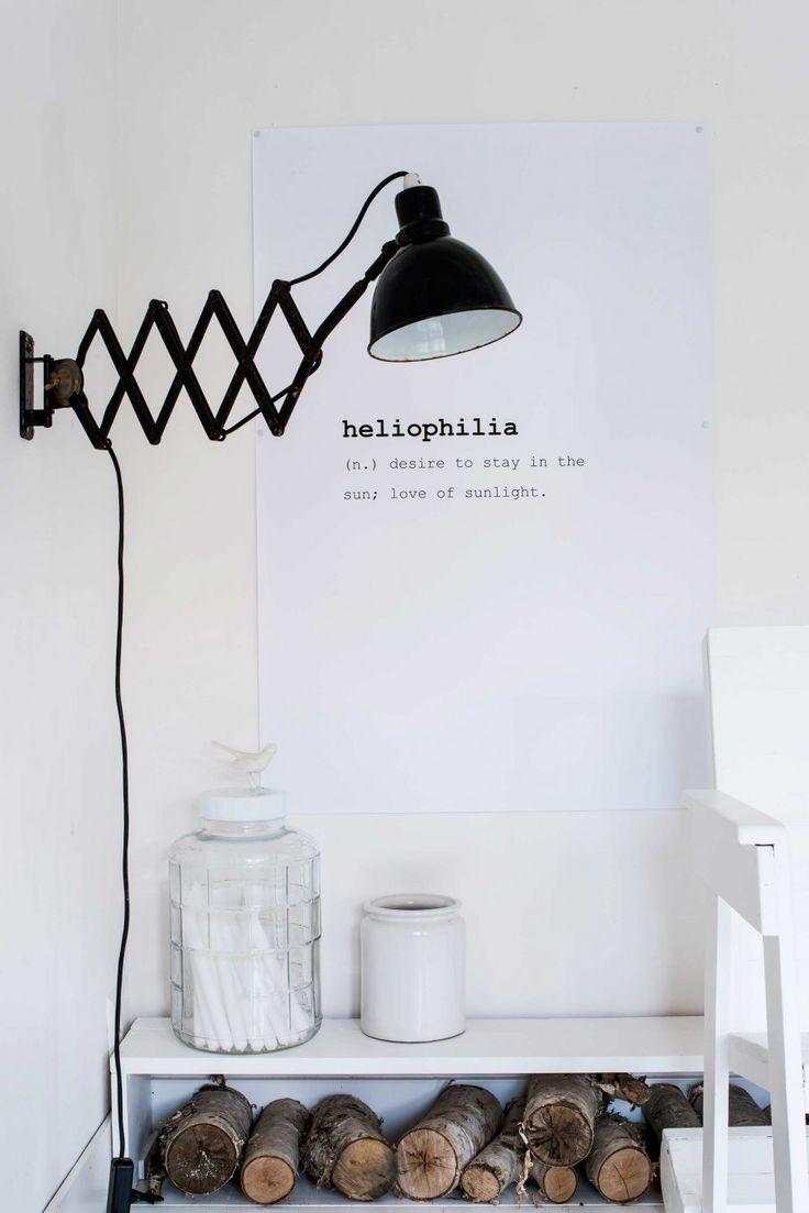 Zwarte wandlamp | Black wall lamp | vtwonen 08-2017 | Fotografie Louis Lemaire/Inside Homepage | Styling Myla Griese