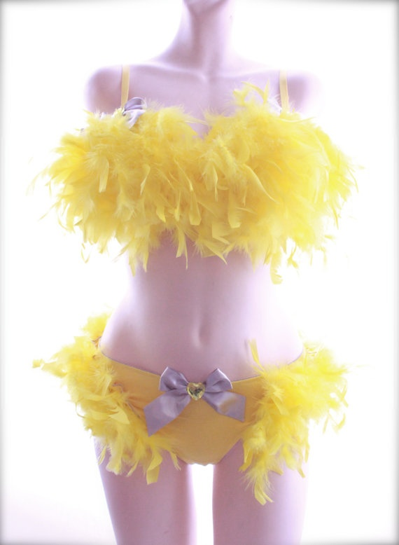 Best 25 burlesque outfit ideas on pinterest burlesque dress burlesque outfit something tells me i couldnt even wear those for bracelets solutioingenieria Images