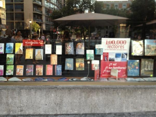 @CinnamonKiki: Libreria San Pablo Madrid #librialsole