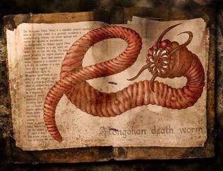 Modelo  gusanos  Son descritos por David Gerrold como el retrato de la izquierda estos seres alienígenos muy parecidos a un gusano con su mismo aspecto de color  rojo, dientes filosos, de gran tamaño que asesinan salvajemente